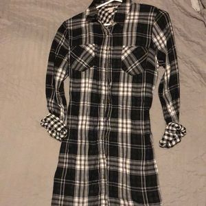 Black plaid long sleeve tunic dress